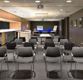 SCALEABLE AUDIO VISUAL TRAINING ROOM - DARLING HARBOUR AREA SYDNEY